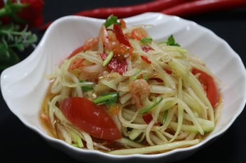 Gỏi Đu Đủ Kiểu Thái Vừa Thơm Ngon Vừa Chống Ngán Giúp Bữa Cơm Thêm Ấm Cúng